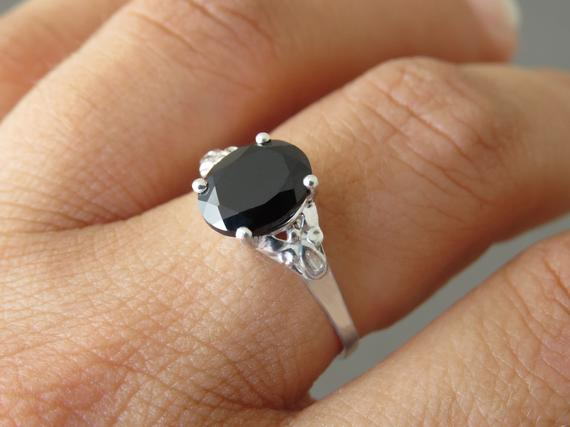 Oval Silver Sing, Black Engagement Ring, Vintage Style Ring, Black Ring, Spinel Ring, Solitaire Ring, Black Stone Ring, Black Silver Ring.