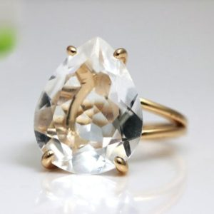 Shop Quartz Crystal Rings! Rose gold ring,crystal quartz ring,teardrop ring,drop stone ring,pink gold ring,large cocktail ring,gemstone ring | Natural genuine Quartz rings, simple unique handcrafted gemstone rings. #rings #jewelry #shopping #gift #handmade #fashion #style #affiliate #ad