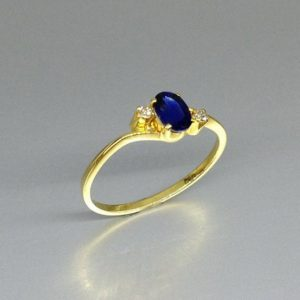 Blue Sapphire ring with two diamonds in 18 K gold – gift for her – engagement ring -natural precious gemstone-fine ring September birthstone | Natural genuine Array rings, simple unique alternative gemstone engagement rings. #rings #jewelry #bridal #wedding #jewelryaccessories #engagementrings #weddingideas #affiliate #ad