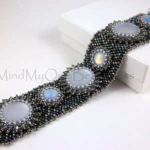 Shop Jewelry Making Tutorials! Tutorial-Beading Pattern-Chameleon Cuff – Peyote Stitch | Shop jewelry making and beading supplies, tools & findings for DIY jewelry making and crafts. #jewelrymaking #diyjewelry #jewelrycrafts #jewelrysupplies #beading #affiliate #ad