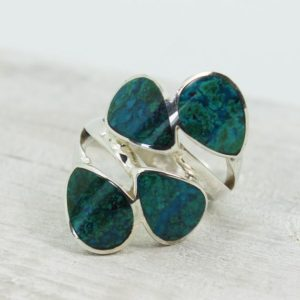 Shop Chrysocolla Rings! A stunning Chrysocolla ring with four teardrop shape natural Chrysocolla stone from Peru set on 925 sterling silver and confortable | Natural genuine Chrysocolla rings, simple unique handcrafted gemstone rings. #rings #jewelry #shopping #gift #handmade #fashion #style #affiliate #ad