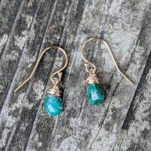 Shop Emerald Earrings! Dainty emerald earrings. Gold emerald earrings.  Silver emerald earrings. Rose gold emerald earrings | Natural genuine Emerald earrings. Buy crystal jewelry, handmade handcrafted artisan jewelry for women.  Unique handmade gift ideas. #jewelry #beadedearrings #beadedjewelry #gift #shopping #handmadejewelry #fashion #style #product #earrings #affiliate #ad