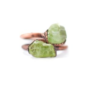 Green Peridot ring | Raw peridot ring | Copper & peridot ring | Electroformed jewelry | Organic stone jewelry | Natural genuine Peridot rings, simple unique handcrafted gemstone rings. #rings #jewelry #shopping #gift #handmade #fashion #style #affiliate #ad