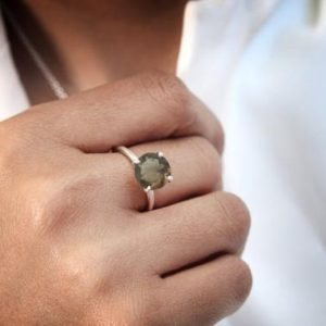 rose gold ring,brown quartz ring,smoky quartz ring,gemstone ring,round stone ring,small cocktail ring,delicate ring | Natural genuine Smoky Quartz rings, simple unique handcrafted gemstone rings. #rings #jewelry #shopping #gift #handmade #fashion #style #affiliate #ad