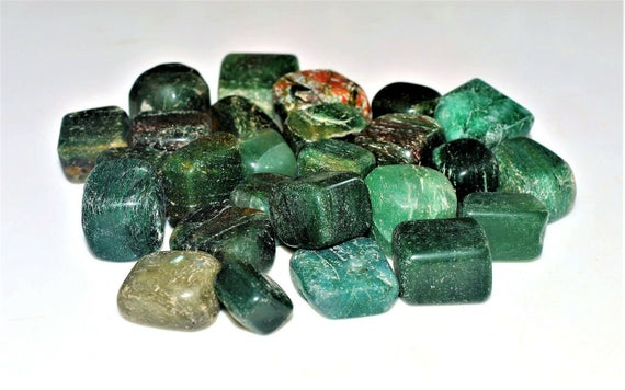 100 Gr Natural Green Kyanite Stone Reiki Fengsui Tarot Healing Power Tumbled Pebbles