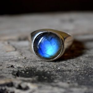 Shop Men's Gemstone Rings! Blue Labradorite ring , signet ring , 925 sterling silver , unisex ring , mens ring , labradorite gemstone , labradorite silver ring | Natural genuine Agate mens fashion rings, simple unique handcrafted gemstone men's rings, gifts for men. Anillos hombre. #rings #jewelry #crystaljewelry #gemstonejewelry #handmadejewelry #affiliate #ad