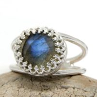 Sterling Silver Ring, labradorite Ring, sterling Silver Jewelry, silver Gemstone Ring, gray Ring, delicate Ring, bling Rin | Natural genuine Gemstone jewelry. Buy crystal jewelry, handmade handcrafted artisan jewelry for women.  Unique handmade gift ideas. #jewelry #beadedjewelry #beadedjewelry #gift #shopping #handmadejewelry #fashion #style #product #jewelry #affiliate #ad