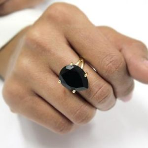 Black Onyx Ring · Gemstone Ring · Pear Ring · Drop Ring · Simple Stone ring · Cocktail Ring · Gold ring · 14k Gold Filled Ring | Natural genuine Onyx rings, simple unique handcrafted gemstone rings. #rings #jewelry #shopping #gift #handmade #fashion #style #affiliate #ad