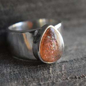 Shop Men's Gemstone Rings! sunstone mens ring,natural sunstone ring,925 silver ring,sunstone unisex ring,mens sunstone ring,unisex ring,sunstone gemstone ring | Natural genuine Agate mens fashion rings, simple unique handcrafted gemstone men's rings, gifts for men. Anillos hombre. #rings #jewelry #crystaljewelry #gemstonejewelry #handmadejewelry #affiliate #ad