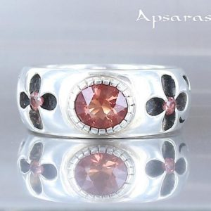 Shop Sunstone Rings! Oregon sunstone ring, size 7,5, sterling silver, flower design, natural stone, one of kind ring, handmade, quality stone, design jewelry | Natural genuine Sunstone rings, simple unique handcrafted gemstone rings. #rings #jewelry #shopping #gift #handmade #fashion #style #affiliate #ad