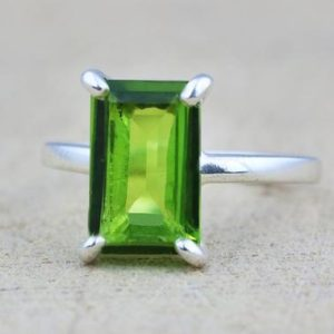 Rectangular peridot ring,rectangle ring,silver ring,August birthstone ring,sterling silver stack ring,green ring | Natural genuine Peridot rings, simple unique handcrafted gemstone rings. #rings #jewelry #shopping #gift #handmade #fashion #style #affiliate #ad