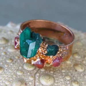 Shop Spinel Rings! Dioptase crystal ring dioptase ring copper ring spinel ring | Natural genuine Spinel rings, simple unique handcrafted gemstone rings. #rings #jewelry #shopping #gift #handmade #fashion #style #affiliate #ad