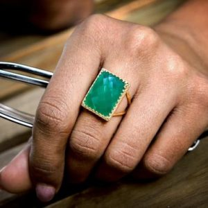 gold rectangular ring,green onyx ring,large ring,big ring,gold filled ring,customize rings,gemstone rings,green ring | Natural genuine Onyx rings, simple unique handcrafted gemstone rings. #rings #jewelry #shopping #gift #handmade #fashion #style #affiliate #ad