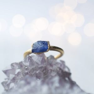 Shop Tanzanite Rings! Gold Tanzanite ring | Stone stacking ring | Electroformed jewelry | Birthstone jewelry | Birthstone Ring | Natural genuine Tanzanite rings, simple unique handcrafted gemstone rings. #rings #jewelry #shopping #gift #handmade #fashion #style #affiliate #ad