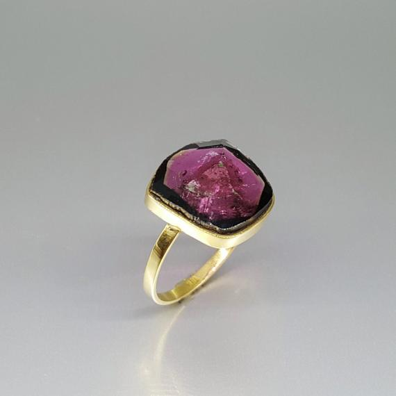 Exquisite Pink Tourmaline Ring Set In 18k Gold - Gift Idea - Unique Natural Stone - Solid Gold - Fine Jewelry - Rubellite - Tourmaline Pink