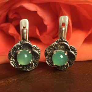 Shop Chrysoprase Jewelry! Flower Earrings, Chrysoprase Earrings, Chrysoprase, Solid Silver Earrings, Flower Studs, Green Stone Earrings, Vintage Earrings | Natural genuine Chrysoprase jewelry. Buy crystal jewelry, handmade handcrafted artisan jewelry for women.  Unique handmade gift ideas. #jewelry #beadedjewelry #beadedjewelry #gift #shopping #handmadejewelry #fashion #style #product #jewelry #affiliate #ad
