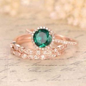 Emerald Engagement Ring Set Round Emerald Ring Set and Two Milgrain Wedding Bands Bridal Wedding Ring Set 14k Rose Gold Bridal Ring Set 3pcs | Natural genuine Array rings, simple unique alternative gemstone engagement rings. #rings #jewelry #bridal #wedding #jewelryaccessories #engagementrings #weddingideas #affiliate #ad