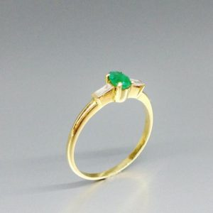 Emerald solitaire engagement ring with diamond solid 18K gold  a gift for her May birthstone – natural precious gemstone – Colombian emerald | Natural genuine Array rings, simple unique alternative gemstone engagement rings. #rings #jewelry #bridal #wedding #jewelryaccessories #engagementrings #weddingideas #affiliate #ad