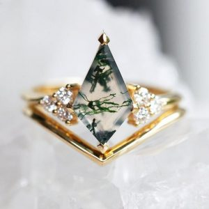 Shop Moss Agate Jewelry! Unique engagement Ring set, geometric moss agate ring with Gold V Band, 18k Gold Gemstone Ring Set, Moss Agate Ring Set, organic gemstone | Natural genuine Moss Agate jewelry. Buy handcrafted artisan wedding jewelry.  Unique handmade bridal jewelry gift ideas. #jewelry #beadedjewelry #gift #crystaljewelry #shopping #handmadejewelry #wedding #bridal #jewelry #affiliate #ad