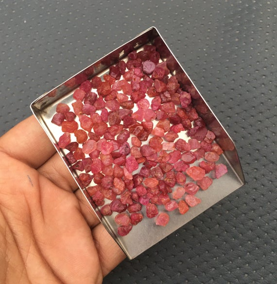 50 Pieces Pink Rough 4-6 Mm Gems, Natural Pink Sapphire Gemstone,tiny Rough Stone,untreated Pink  Sapphire ,tiny Gemstone  Sapphire Raw