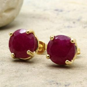 round ruby earrings,prong earring,gold earrings,post earrings,delicate earrings,gemstone earrings,stud earrings | Natural genuine Array earrings. Buy crystal jewelry, handmade handcrafted artisan jewelry for women.  Unique handmade gift ideas. #jewelry #beadedearrings #beadedjewelry #gift #shopping #handmadejewelry #fashion #style #product #earrings #affiliate #ad