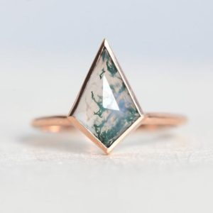 Shop Moss Agate Jewelry! Moss Agate Ring, Large Kite Shaped Geometric Gemstone, 14k or 18k Solid Gold | Natural genuine Moss Agate jewelry. Buy crystal jewelry, handmade handcrafted artisan jewelry for women.  Unique handmade gift ideas. #jewelry #beadedjewelry #beadedjewelry #gift #shopping #handmadejewelry #fashion #style #product #jewelry #affiliate #ad