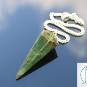 Green Diopside Natural Gemstone Point Pendulum Dowsing Crystal Dowser Scrying Reiki Chakra Healing FREE UK SHIPPING | Natural genuine stones & crystals in various shapes & sizes. Buy raw cut, tumbled, or polished gemstones for making jewelry or crystal healing energy vibration raising reiki stones. #crystals #gemstones #crystalhealing #crystalsandgemstones #energyhealing #affiliate #ad