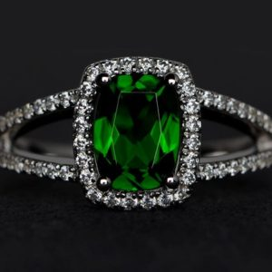 Natural Chrome Diopside Ring Cushion Cut Green Diopside Gemstone Rings Anniversary Ring Engagement Ring Split Shank Ring | Natural genuine Gemstone rings, simple unique alternative gemstone engagement rings. #rings #jewelry #bridal #wedding #jewelryaccessories #engagementrings #weddingideas #affiliate #ad