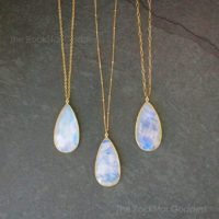 Gold Moonstone Necklace / Moonstone Pendant / Moonstone Jewelry / Moonstone / June Birthstone / Rainbow Moonstone / Gift For Her | Natural genuine Gemstone jewelry. Buy crystal jewelry, handmade handcrafted artisan jewelry for women.  Unique handmade gift ideas. #jewelry #beadedjewelry #beadedjewelry #gift #shopping #handmadejewelry #fashion #style #product #jewelry #affiliate #ad