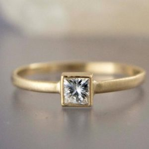 Square White Sapphire Engagement Ring in solid 14k Yellow or White Gold – Princess Cut Diamond alternative | Natural genuine Array rings, simple unique alternative gemstone engagement rings. #rings #jewelry #bridal #wedding #jewelryaccessories #engagementrings #weddingideas #affiliate #ad