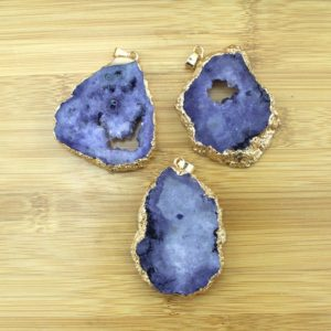 Shop Agate Chip & Nugget Beads! Wholesale Purple Agate Geode Druzy Slice Connector,Raw Quartz Druzy Slab Gold Plated Pendant Charms-TR140 | Natural genuine chip Agate beads for beading and jewelry making.  #jewelry #beads #beadedjewelry #diyjewelry #jewelrymaking #beadstore #beading #affiliate #ad