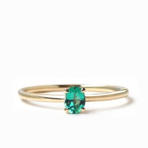 Natural Emerald Engagement Ring, Oval Cut Ring, Delicate Ring, Dainty Emerald Ring, 14k gold, 18k gold | Natural genuine Array rings, simple unique alternative gemstone engagement rings. #rings #jewelry #bridal #wedding #jewelryaccessories #engagementrings #weddingideas #affiliate #ad