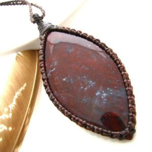Shop Agate Pendants! Macrame necklace / Burgundy Agate healing necklace  / Agate Necklace / Stone pendant jewelry / Healing crystals and gemstones   Natural genuine Agate pendants. Buy crystal jewelry, handmade handcrafted artisan jewelry for women.  Unique handmade gift ideas. #jewelry #beadedpendants #beadedjewelry #gift #shopping #handmadejewelry #fashion #style #product #pendants #affiliate #ad