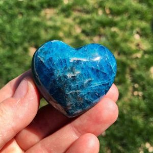 """Shop Gemstone Hearts! Blue Apatite Stone Heart (1"""" – 1.5"""")- blue apatite crystal heart – blue apatite heart – healing crystals and stones – throat chakra apatite 