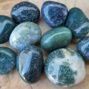 Shop Tumbled Crystals & Pocket Stones! Moss Agate Crystal Tumbled Stone – Pocket Palm Stone 67 | Natural genuine stones & crystals in various shapes & sizes. Buy raw cut, tumbled, or polished gemstones for making jewelry or crystal healing energy vibration raising reiki stones. #crystals #gemstones #crystalhealing #crystalsandgemstones #energyhealing #affiliate #ad