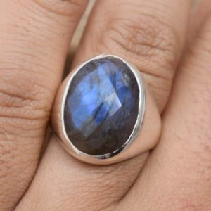 Shop Labradorite Rings! Natural Labradorite Ring,Labradorite Men's Ring,Solid 925 Sterling Silver Boys Gift Ring,Handmade Jewelry,Blue Flashy Ring,Gift for her | Natural genuine Labradorite rings, simple unique handcrafted gemstone rings. #rings #jewelry #shopping #gift #handmade #fashion #style #affiliate #ad