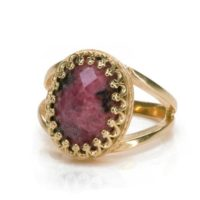 Pink Gold Rhodonite Ring · Rose Gold Gemstone Ring · Feminine Ring For Mom · Everyday Oval Ring · Gifts With Engraving | Natural genuine Gemstone jewelry. Buy crystal jewelry, handmade handcrafted artisan jewelry for women.  Unique handmade gift ideas. #jewelry #beadedjewelry #beadedjewelry #gift #shopping #handmadejewelry #fashion #style #product #jewelry #affiliate #ad