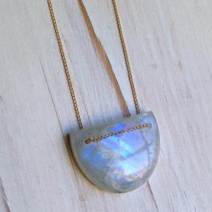 Moonstone Necklace Moonstone Jewelry Gemstone Jewelry Geometric Jewelry | Natural genuine Moonstone necklaces. Buy crystal jewelry, handmade handcrafted artisan jewelry for women.  Unique handmade gift ideas. #jewelry #beadednecklaces #beadedjewelry #gift #shopping #handmadejewelry #fashion #style #product #necklaces #affiliate #ad