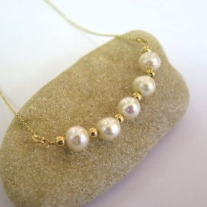 Shop Pearl Necklaces! Wedding Necklace – Gold Pearl Necklace – White Pearl Necklace – Dainty Necklace – Gorgeous Necklace – 14K Gold Necklace – Evening Necklace | Natural genuine Pearl necklaces. Buy handcrafted artisan wedding jewelry.  Unique handmade bridal jewelry gift ideas. #jewelry #beadednecklaces #gift #crystaljewelry #shopping #handmadejewelry #wedding #bridal #necklaces #affiliate #ad