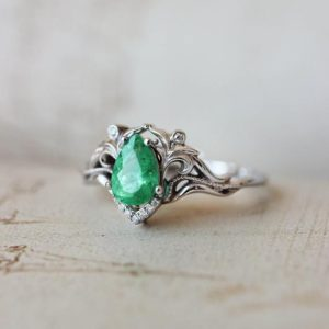 Natural emerald and diamonds ring, unique engagement ring, vintage wedding, leaves ring, moissanite ring, art nouveau ring, ring for woman | Natural genuine Array rings, simple unique alternative gemstone engagement rings. #rings #jewelry #bridal #wedding #jewelryaccessories #engagementrings #weddingideas #affiliate #ad