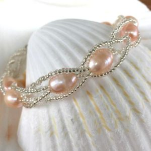 Shop Pearl Bracelets! Beaded Pearl Bracelet   Natural genuine Pearl bracelets. Buy crystal jewelry, handmade handcrafted artisan jewelry for women.  Unique handmade gift ideas. #jewelry #beadedbracelets #beadedjewelry #gift #shopping #handmadejewelry #fashion #style #product #bracelets #affiliate #ad