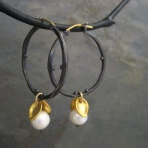 Shop Pearl Jewelry! Pearl hoops, mixed metal earrings, leaf dangle, black and gold, freshwater pearl, statement earrings, pearl dangle | Natural genuine Pearl jewelry. Buy crystal jewelry, handmade handcrafted artisan jewelry for women.  Unique handmade gift ideas. #jewelry #beadedjewelry #beadedjewelry #gift #shopping #handmadejewelry #fashion #style #product #jewelry #affiliate #ad