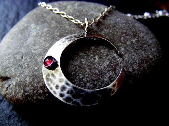 Silver Crescent Moon Hammered Pendant Necklace With Garnet