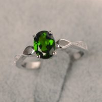 Diopside Ring 4 Prong Setting In Silver 925 Engagement Ring For Women Oval Shape Green Gemstone | Natural genuine Gemstone jewelry. Buy handcrafted artisan wedding jewelry.  Unique handmade bridal jewelry gift ideas. #jewelry #beadedjewelry #gift #crystaljewelry #shopping #handmadejewelry #wedding #bridal #jewelry #affiliate #ad