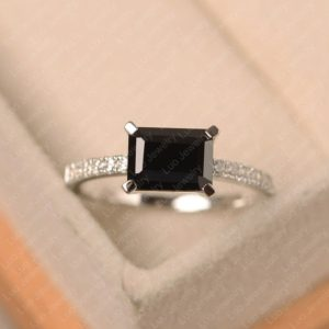 Black spinel ring, emerald cut black stone ring, white gold engagement ring for women   Natural genuine Array rings, simple unique alternative gemstone engagement rings. #rings #jewelry #bridal #wedding #jewelryaccessories #engagementrings #weddingideas #affiliate #ad