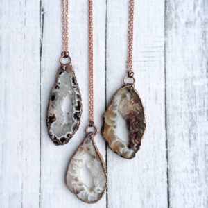 Druzy agate necklace | Geode jewelry | Geode druzy crystal necklace | Geode agate necklace | Natural agate necklace | Agate stone necklace | Natural genuine Agate necklaces. Buy crystal jewelry, handmade handcrafted artisan jewelry for women.  Unique handmade gift ideas. #jewelry #beadednecklaces #beadedjewelry #gift #shopping #handmadejewelry #fashion #style #product #necklaces #affiliate #ad