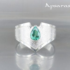 Emerald Ring, Size 7, 5, Sterling Silver, Precious Stone, Green Stone Ring, One Of A Kind, Handmade, Quality Made, Emerald Engagement Ring | Natural genuine Array rings, simple unique alternative gemstone engagement rings. #rings #jewelry #bridal #wedding #jewelryaccessories #engagementrings #weddingideas #affiliate #ad