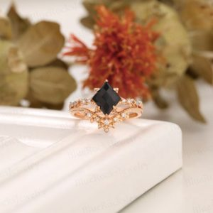 Vintage Black Onyx Engagement ring Set, rhombus shaped art deco ring,Rose Gold Ring, curved wedding band, bridal set, wedding anniversary   Natural genuine Array rings, simple unique alternative gemstone engagement rings. #rings #jewelry #bridal #wedding #jewelryaccessories #engagementrings #weddingideas #affiliate #ad