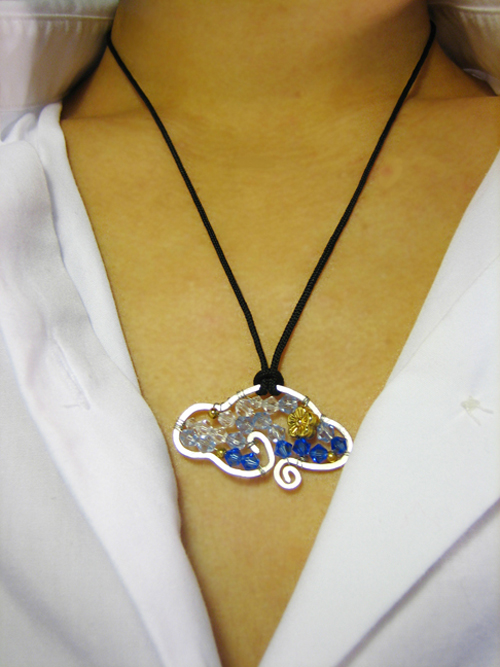Cloud Of Fortune Crystal Pendant Necklace Project