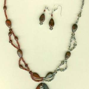 Two Tone Delight Necklace Project Idea